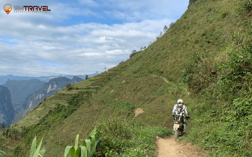 BM-Travel-Adventure-Ha-Giang-Motorbike-Tours-1