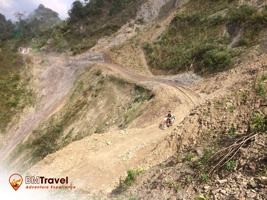 vietnam-motorbike-tours-via-northern-loop-trail-2