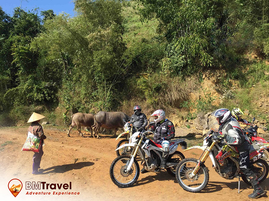 vietnam-motorbike-tours-via-northern-loop-trail-3
