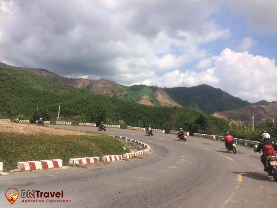 best-central-vietnam-motorbike-tours-10
