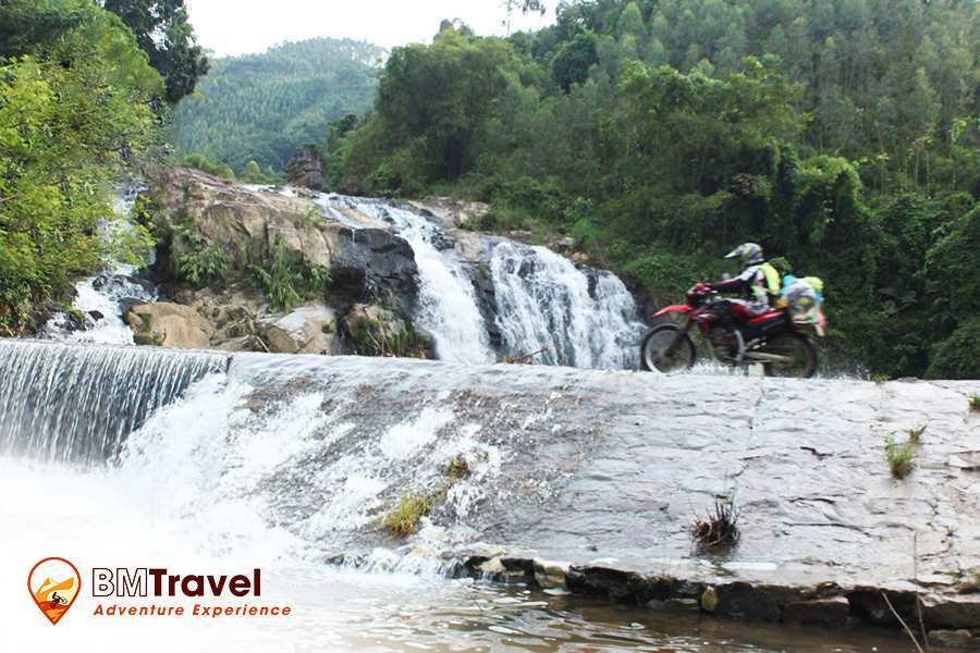 great-vietnam-motorbike-tours-4