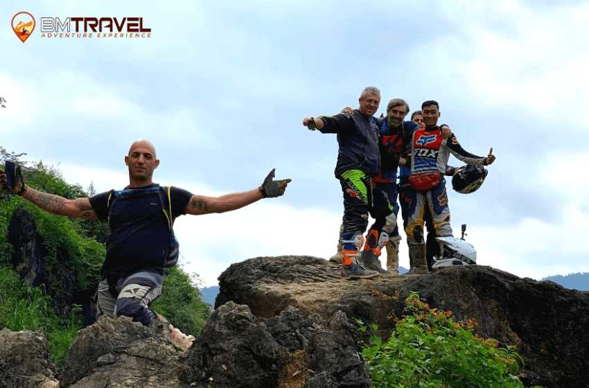 Vietnam motorcycle tours to finding out natural beauty of Ha Giang - 8 days Ha Giang - Dong Van motorbike tours