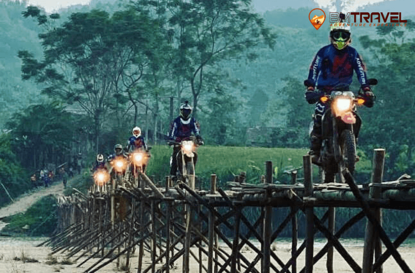 Vietnam motorcycle tours to finding out natural beauty of Ha Giang - 8 days Dong Van - -Bao Lac motorcycle tours