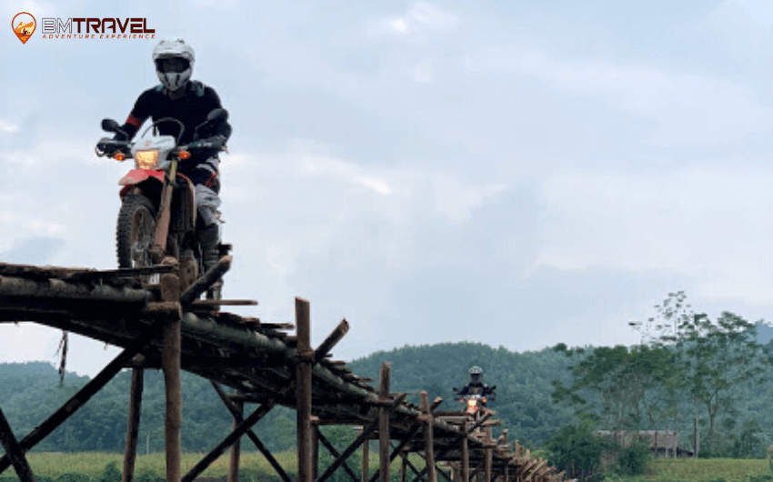 Tour From Hanoi To Saigon via Ho Chi Minh Trail