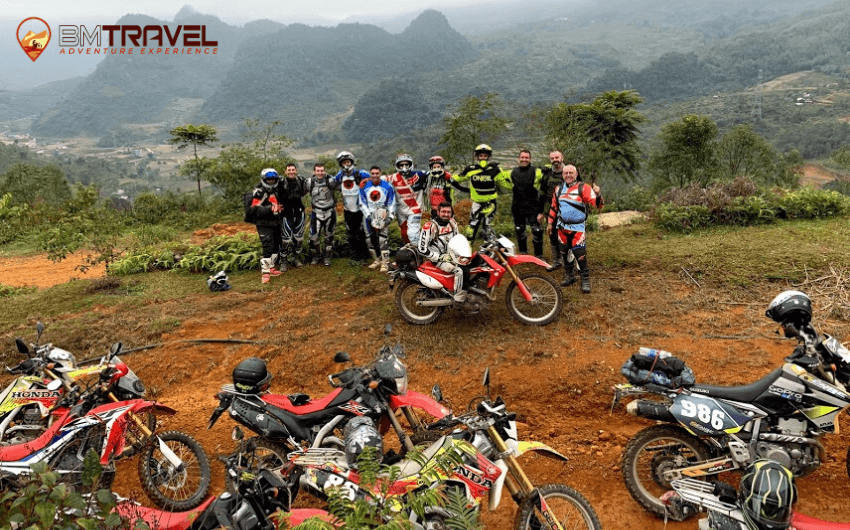 Vietnam motorcycle tours to finding out natural beauty of Ha Giang - 8 days Quang Uyen to Lang Son motorcycle tours