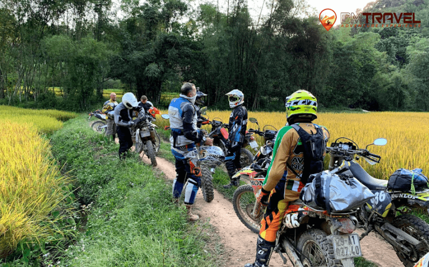 Vietnam motorcycle tours to finding out natural beauty of Ha Giang - 8 days Bac Lac - Cao Bang Motorcycle Tours