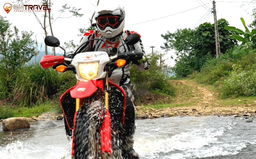motorcycles in Vietnam - A2 driving license test