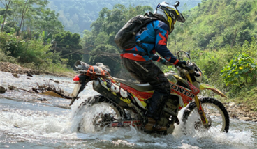 Northeast Vietnam Motorbike Tour from Hanoi to Ban Gioc Waterfall and Ba Be - 5 days