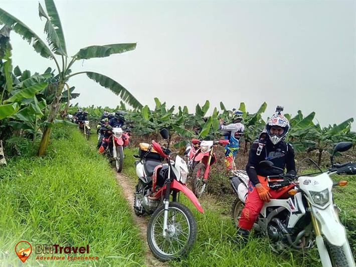 10 days riding off-road motorcycles crossing border from Vietnam to Laos