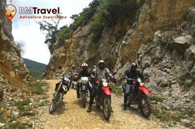 Best Kawasaki Adventure Bikes for off-road Motorcycle Tours - Kawasaki Versys
