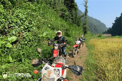 Crossing The Border with a motorbike from Vietnam to Laos - Cambodia - Thailand