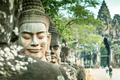 Travel from Vietnam to Cambodia by motorbike - Top things to know!