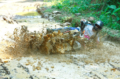 Head-to-Toe about S-shaped Vietnam Dirt Bike Tours