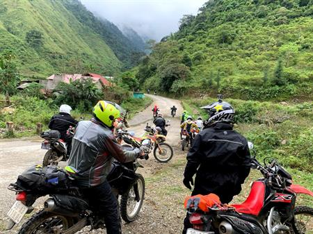 Border-Crossing Motorbike Tour From Vietnam To Laos In 12 Days