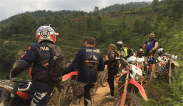 Off-road Ha Giang Motorbike Tour Through Dong Van Geopark 3 days