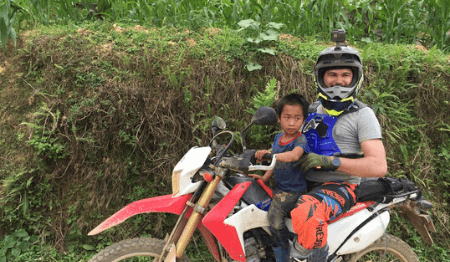 Off-road Ha Giang Motorbike Loop Tour Through Dong Van Geopark 2 days